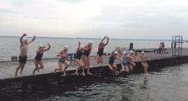 mlodzi-plywacy-na-obozie